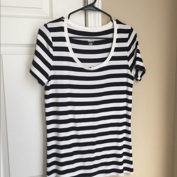 30bbf41ca25b Old Navy striped tee shirt. Old Navy. M_5ad0cf2f3afbbdc83a724b60.  M_5ad0cf2f3afbbdc83a724b60